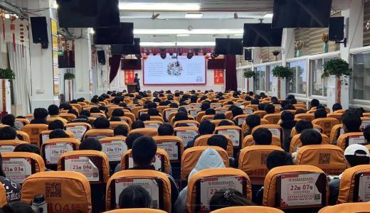 """郑州禁毒宣传进校园 让青春不""""毒""""行"""