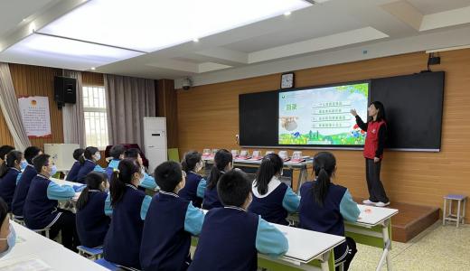 郑州禁毒宣传进学校 为无毒校园保驾护航