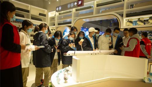 郑州开展预防新型毒品对青少年危害禁毒宣传活动